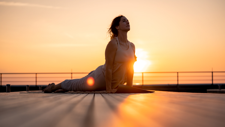 Yoga-Landing